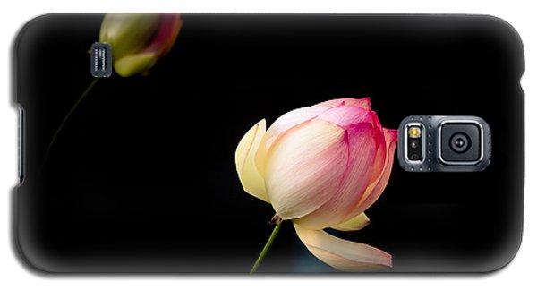 Lotus On Black Galaxy S5 Case