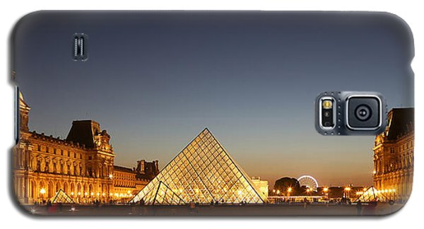Galaxy S5 Case featuring the photograph Louvre At Night 2 by Andrew Fare