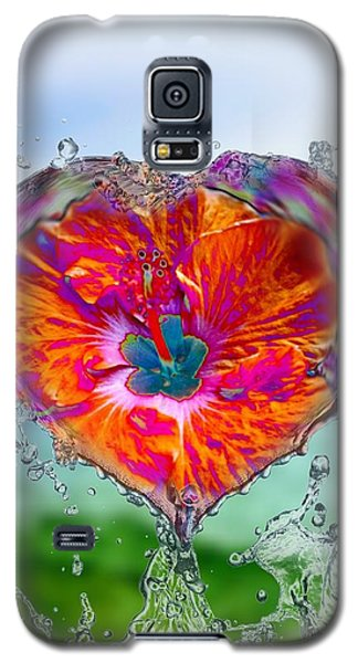 Love Makes A Splash Galaxy S5 Case