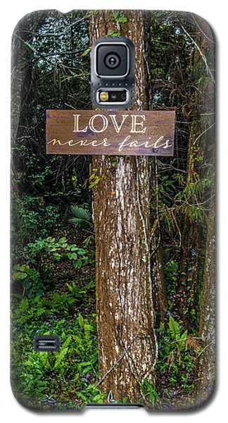 Love On A Tree Galaxy S5 Case by Josy Cue