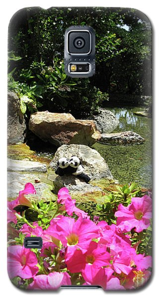 Galaxy S5 Case featuring the photograph Love On The Rocks- Los Angeles- Pandas by Ausra Huntington nee Paulauskaite