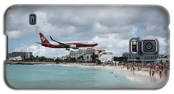 Low Landing At Sonesta Maho Beach Galaxy S5 Case by Nick Mares