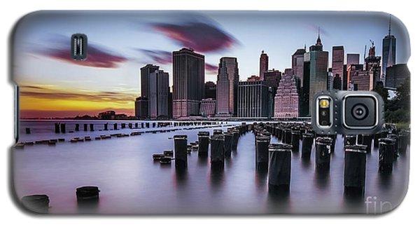 Lower Manhattan Purple Sunset Galaxy S5 Case