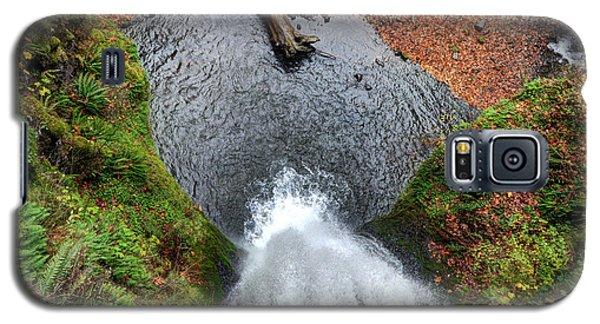 Lower Multnomah Falls From Benson Bridge - Columbia Gorge Galaxy S5 Case by Gary Whitton