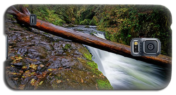 Galaxy S5 Case featuring the photograph Lower Punch Bowl Falls by Jonathan Davison