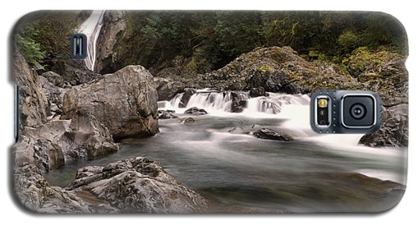 Galaxy S5 Case featuring the photograph Lower Twin Falls by Jeff Swan