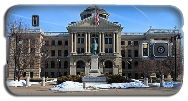 Galaxy S5 Case featuring the photograph Lucas County Courthouse I by Michiale Schneider