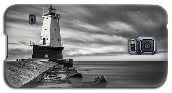 Galaxy S5 Case featuring the photograph Ludington Light Black And White by Adam Romanowicz