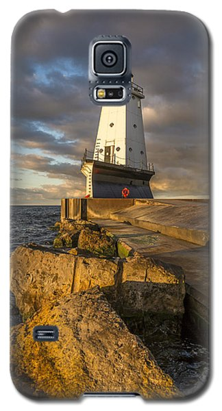 Galaxy S5 Case featuring the photograph Ludington North Breakwater Lighthouse At Sunrise by Adam Romanowicz