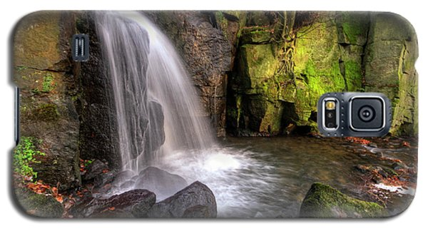 Galaxy S5 Case featuring the photograph Lumsdale Falls 3.0 by Yhun Suarez