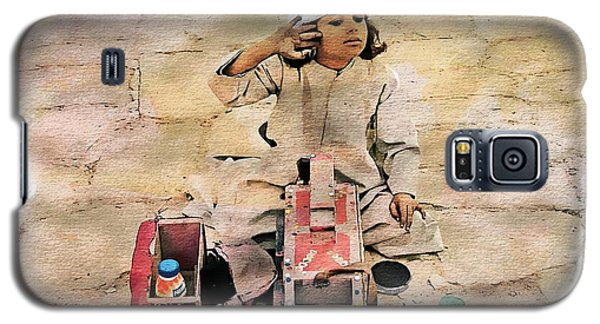 Galaxy S5 Case featuring the photograph Luxor Shoeshine Girl by Joseph Hendrix