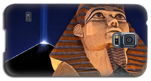 Galaxy S5 Case featuring the photograph Luxor by Tammy Espino