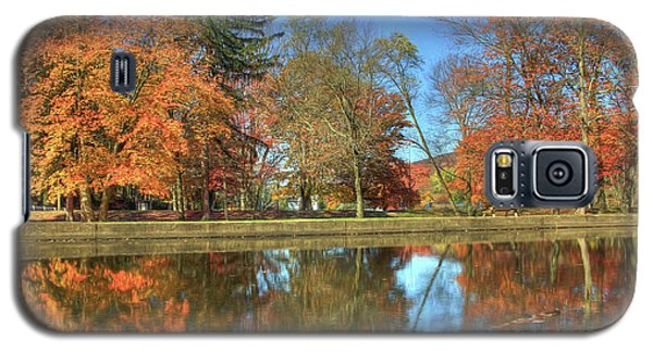 Galaxy S5 Case featuring the photograph Lykens Glen Reflections by Lori Deiter