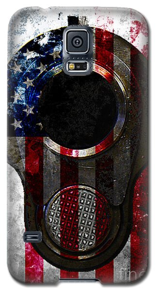 M1911 Colt 45 Muzzle And American Flag On Distressed Metal Sheet Galaxy S5 Case