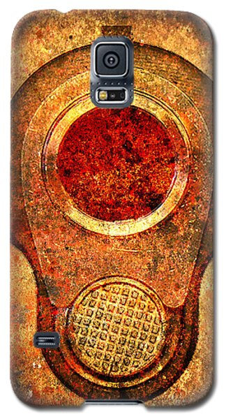 M1911 Muzzle On Rusted Background - With Red Filter Galaxy S5 Case