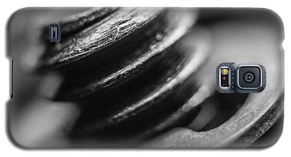 Galaxy S5 Case featuring the photograph Macro Screw Bolt Black White by David Haskett