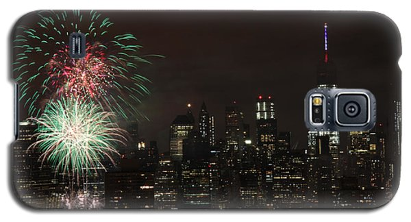 Galaxy S5 Case featuring the photograph Macy's July 4th 2015 Fireworks-1 by Steven Spak