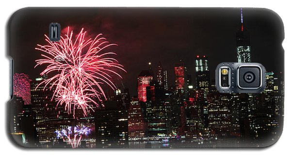 Galaxy S5 Case featuring the photograph Macy's July 4th 2015 Fireworks-2 by Steven Spak