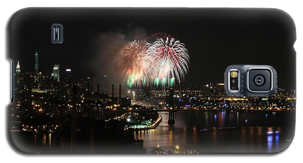 Galaxy S5 Case featuring the photograph Macy's July 4th 2015 Fireworks-4 by Steven Spak