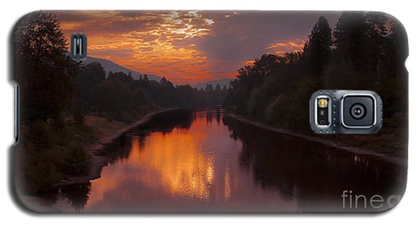 Magnificent Clouds Over Rogue River Oregon At Sunset  Galaxy S5 Case