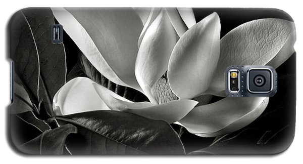 Magnolia In Black And White Galaxy S5 Case