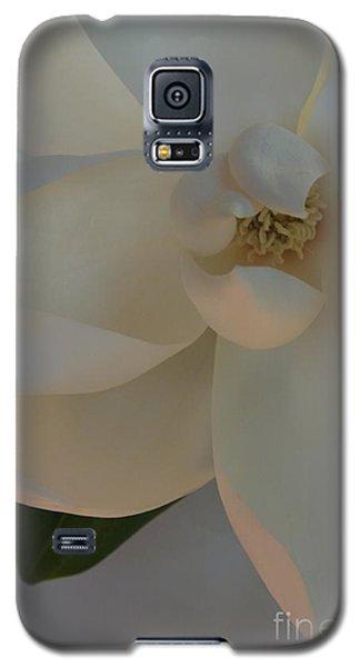 Moody Magnolia  Galaxy S5 Case