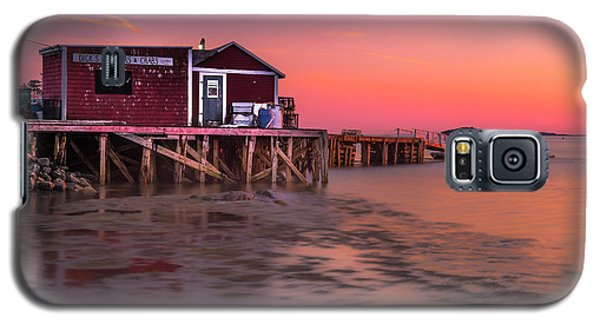Galaxy S5 Case featuring the photograph Maine Coastal Sunset At Dicks Lobsters - Crabs Shack by Ranjay Mitra