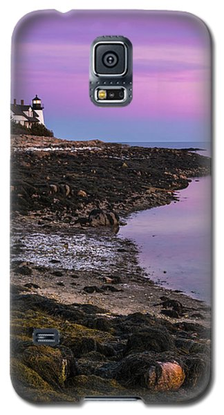 Galaxy S5 Case featuring the photograph Maine Prospect Harbor Lighthouse Sunset In Winter by Ranjay Mitra