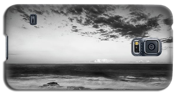 Maine Rocky Coast With Boulders And Clouds At Two Lights Park Galaxy S5 Case