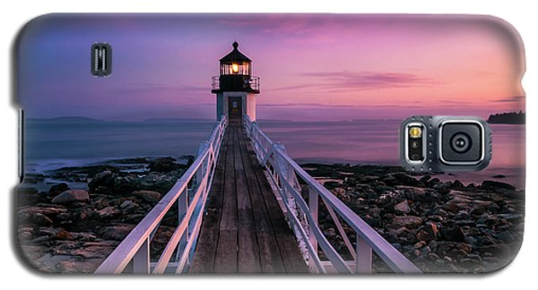 Galaxy S5 Case featuring the photograph Maine Sunset At Marshall Point Lighthouse by Ranjay Mitra