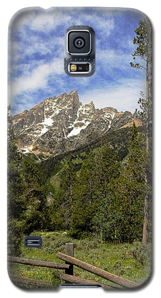 Galaxy S5 Case featuring the photograph Majestic Splendor by Dan Wells
