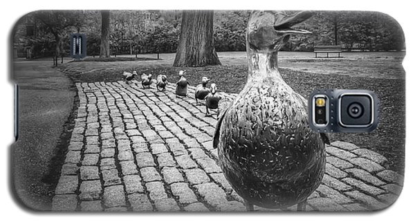 Make Way For Ducklings In Boston Black And White Galaxy S5 Case