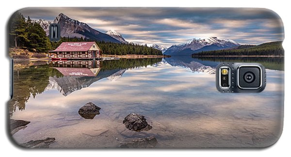 Galaxy S5 Case featuring the photograph Maligne Lake Boat House Sunrise by Pierre Leclerc Photography