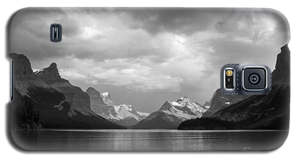 Maligne Lake Galaxy S5 Case by Chris Scroggins