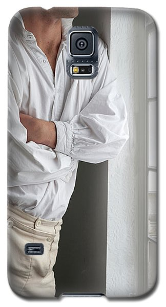 Man In Historical Shirt And Breeches Galaxy S5 Case by Lee Avison