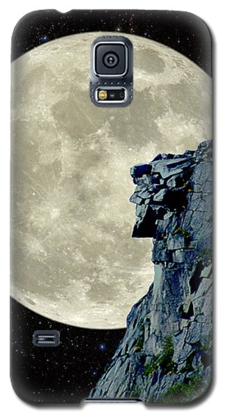 Man In The Moon Meets Old Man Of The Mountain Vertical Galaxy S5 Case by Larry Landolfi