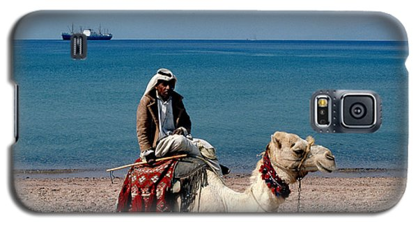 Man With Camel At Red Sea Galaxy S5 Case by Carl Purcell