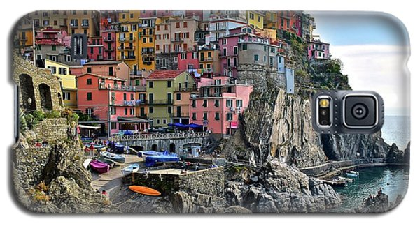 Galaxy S5 Case featuring the photograph Manarola Version Four by Frozen in Time Fine Art Photography