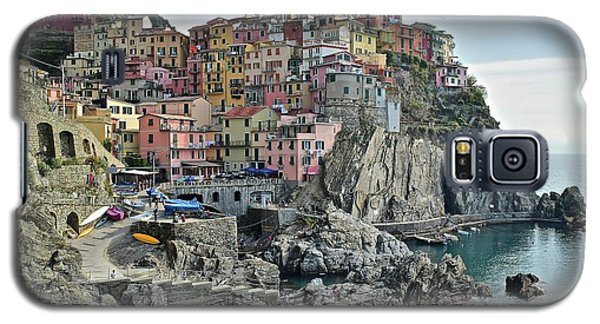 Galaxy S5 Case featuring the photograph Manarola Version Three by Frozen in Time Fine Art Photography