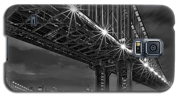 Manhattan Bridge Frames The Brooklyn Bridge Galaxy S5 Case
