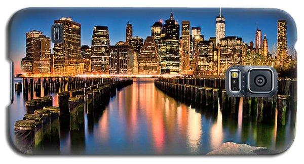 Manhattan Skyline At Dusk Galaxy S5 Case
