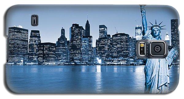 Manhattan Skyline Galaxy S5 Case by Luciano Mortula