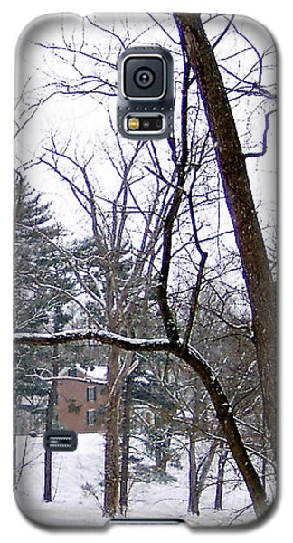 Mansion In The Snow Galaxy S5 Case by Skyler Tipton