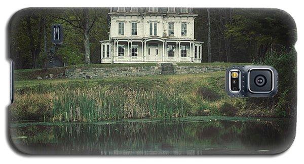 Mansion Reflected At Waterloo Galaxy S5 Case