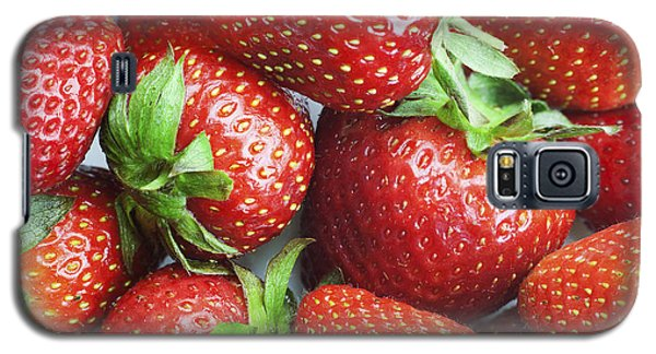 Galaxy S5 Case featuring the photograph Marco View Of Strawberries by Paul Ge
