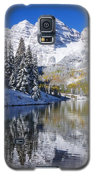 Maroon Lake And Bells 2 Galaxy S5 Case by Ron Dahlquist - Printscapes