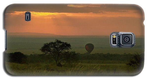 Galaxy S5 Case featuring the photograph Masai Mara Balloon Sunrise by Karen Lewis