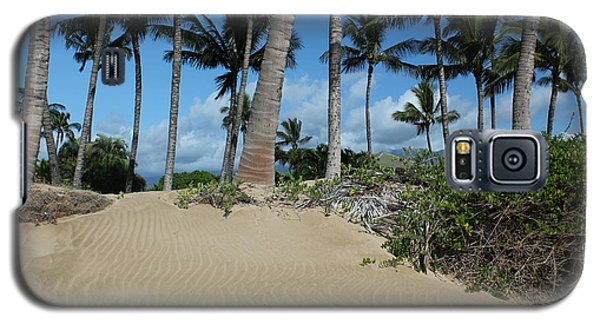Galaxy S5 Case featuring the photograph Maui Beach by Wilko Van de Kamp