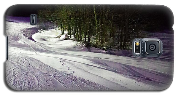 Galaxy S5 Case featuring the photograph Mccauley Evening Snowscape by David Patterson