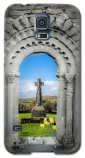 Medieval Arch And High Cross, County Clare, Ireland Galaxy S5 Case